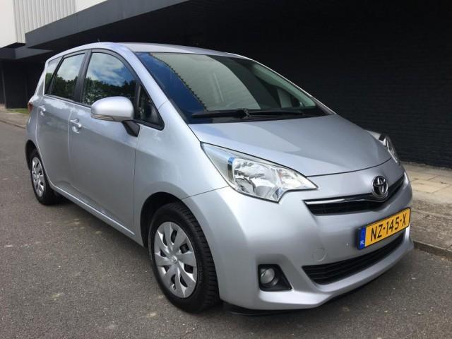 Toyota-Verso-Toyota VERSO-S 1.3 VTT-i Comfort Plus-OrangeFinancialLease.nl