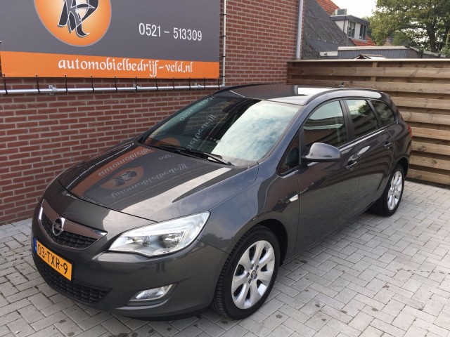 Opel-Astra-Opel Astra 1.4 Turbo Business-OrangeFinancialLease.nl